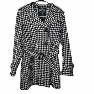 Jou Jou Houndstooth Belted White and Black Peacoat
